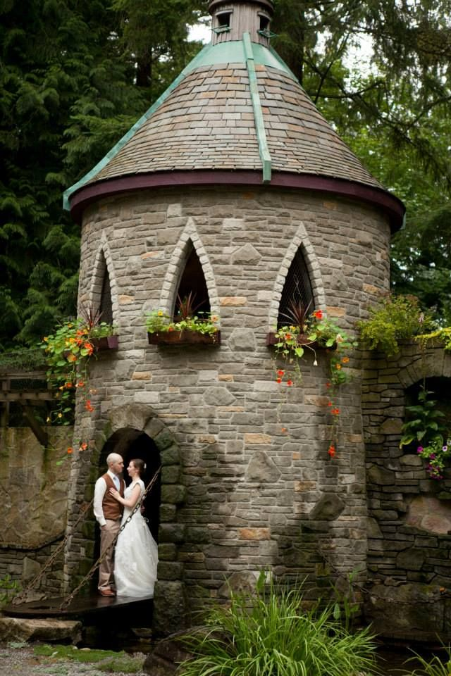 wedding Turret at Kaspars' olde stone stables that we  can never afford -sob-