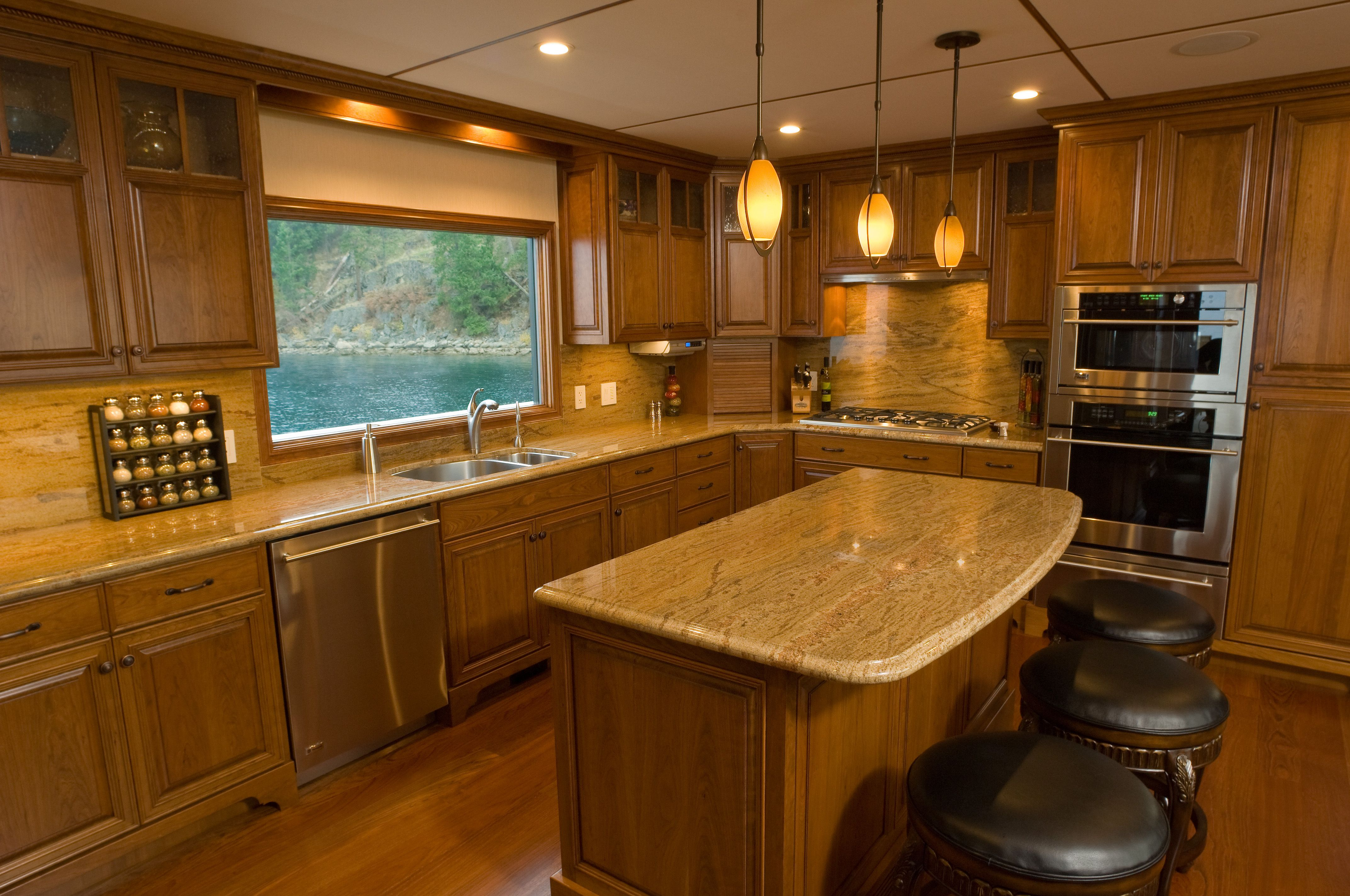 Houseboat, La Dame Du Lac (For Sale) Spokane River, Coeur