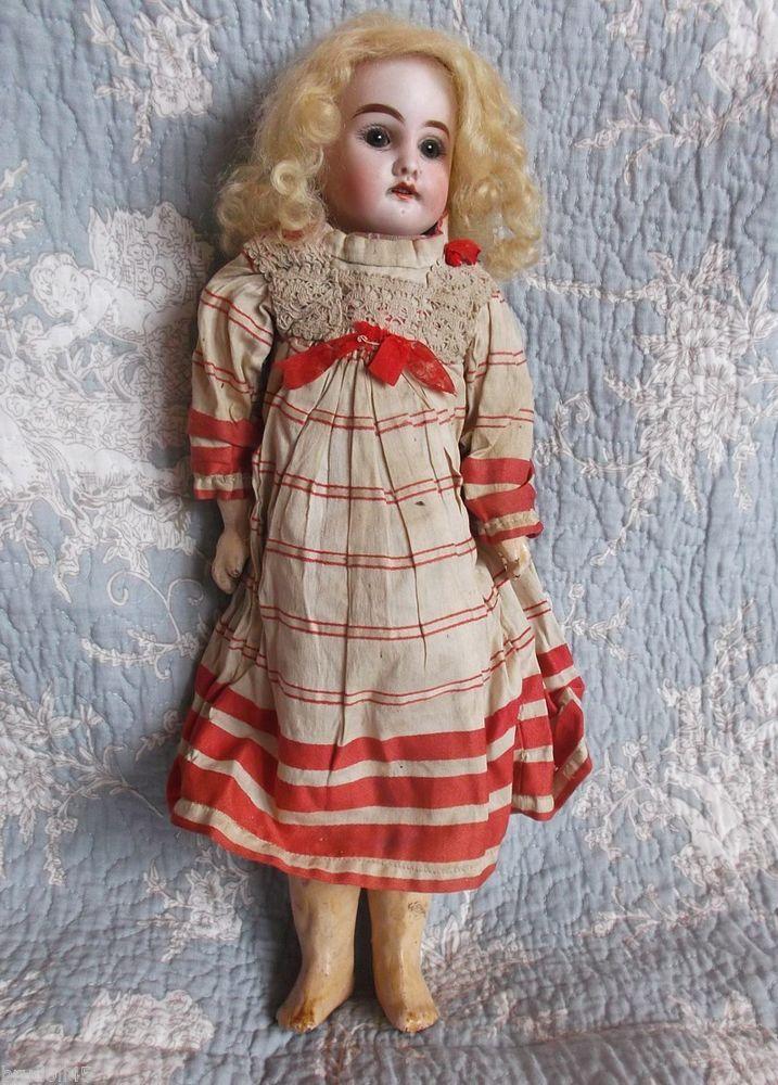 Adorable french doll Fleischmann mold, Jumeau red tick, original wear