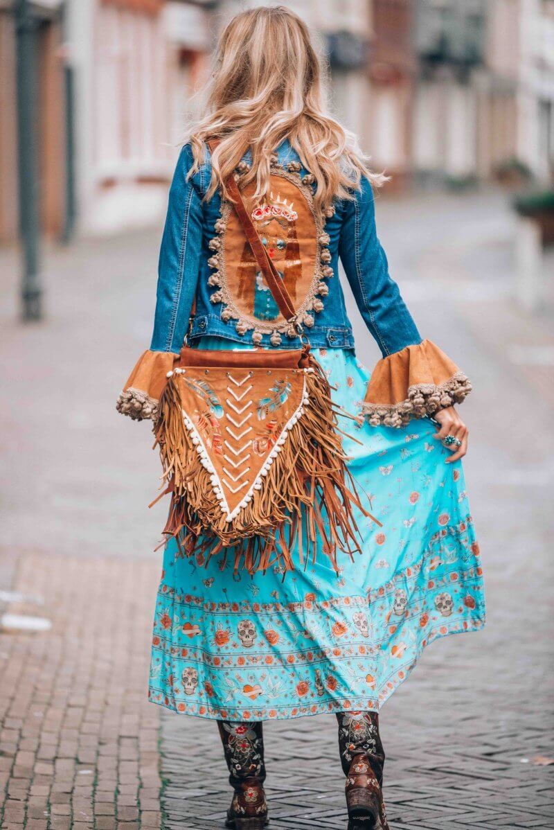 Bohemian colorfull boots with a lot of fringes from Spain