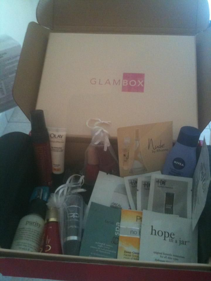 Giveaway! Glambox FULL of samples for 1 lucky girl!!
