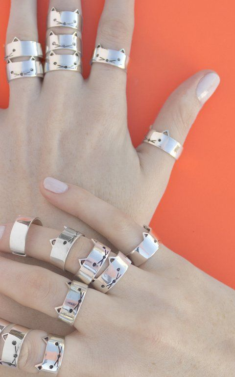 d96b51a18895 Anillo gato. Kitty Cat Ring. Joyería hecha a mano en Plata 925. Handcrafted  Sterling Silver ring.