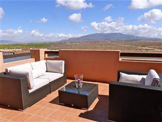 Penthouse med 3 værelser i Condado de Alhama ved #Murcia Pool, grill - og kort til golfbaner og lækker strand. www.feriebolig-spanien.dk/17954