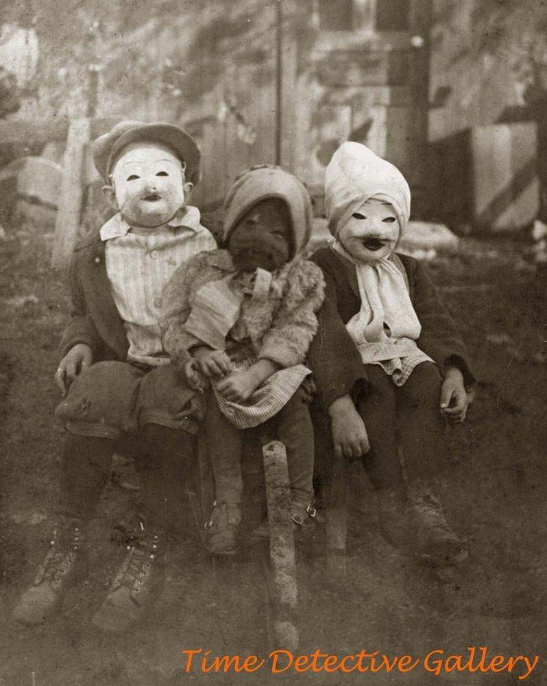 Details About Kids In Creepy Halloween Costumes Historic Photo