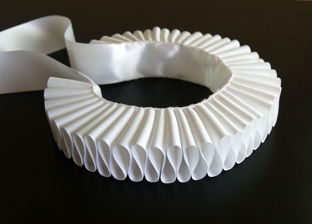 White Elizabethan Ruff Steampunk Ruffled Collar