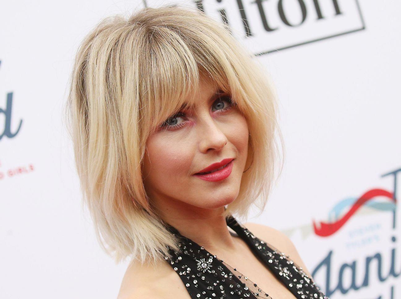 Schauspielerin Julianne Hough liebt den Frisuren-Trend und trägt