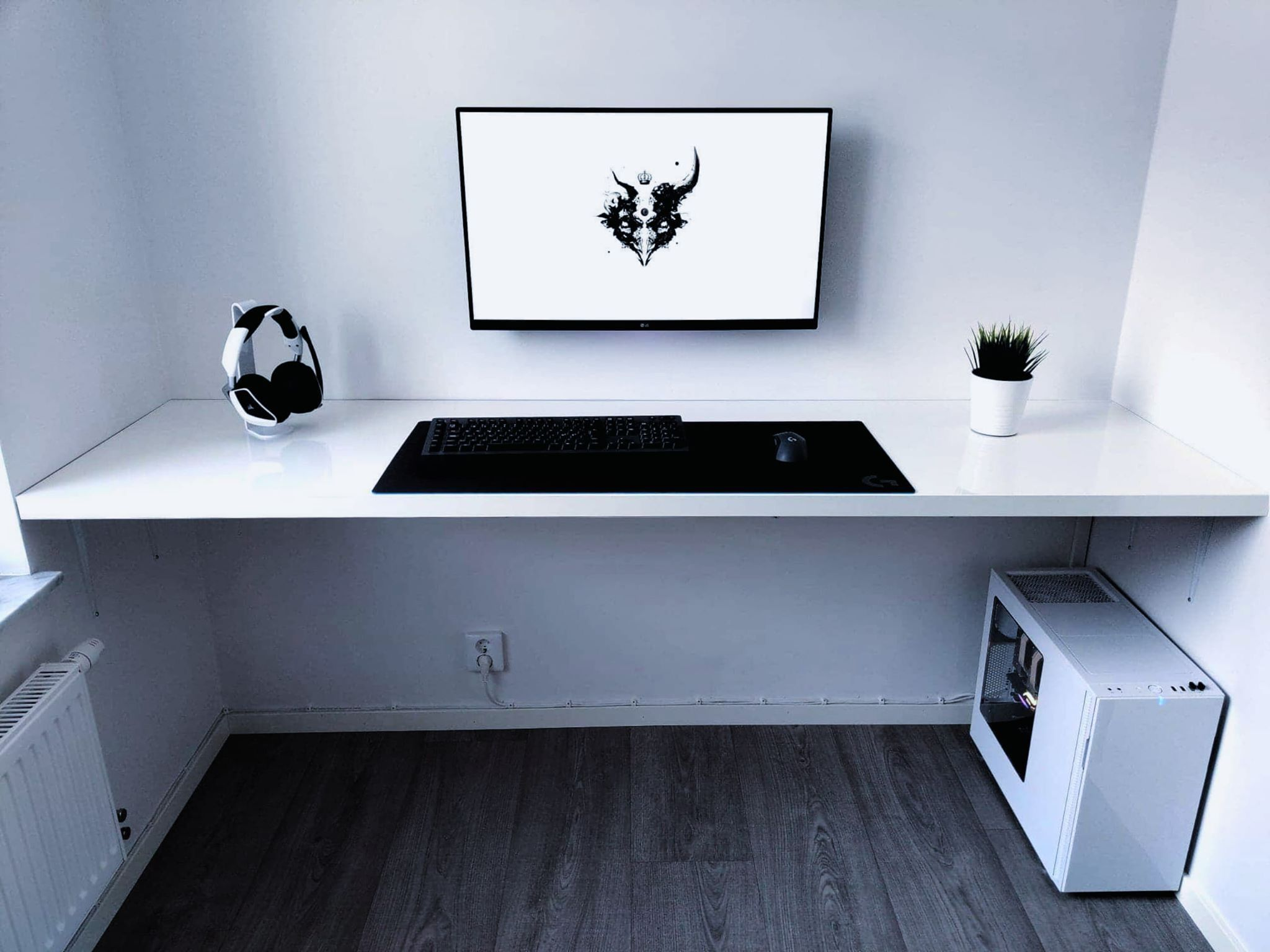 Pin By Rocky Arts On Bureau Room Setup Home Office Setup Gaming Room Setup