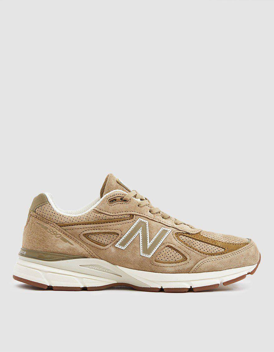 New Balance / 990v4 Sneaker in Hemp