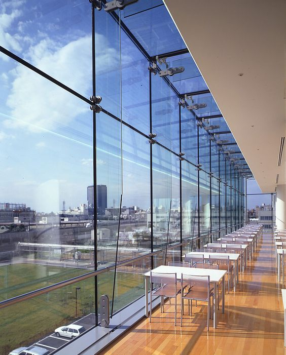 The frame at the bottom Topped with glass.. glass curtain wall ...