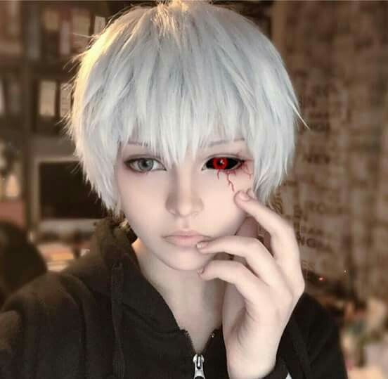 Photo of Kaneki Ken Tokyo Ghoul cosplay