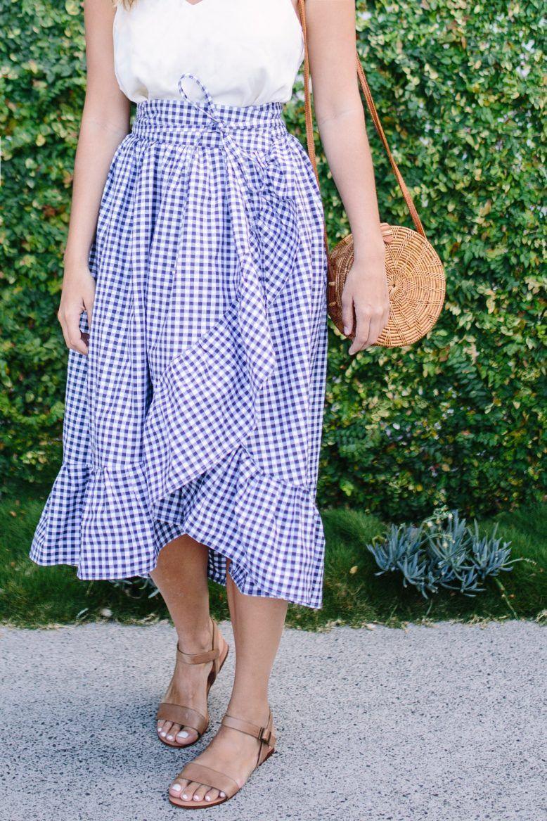 DIY Ruffle Hem Wrap Skirt | Verkleiden, Diy nähen und Nähprojekte