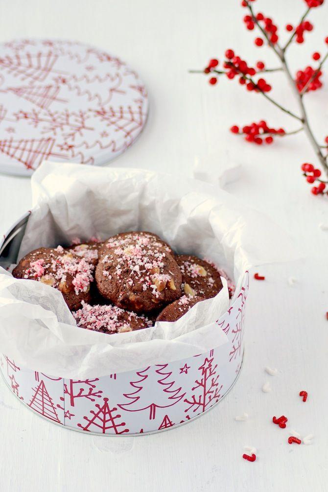 Si ya estáis preparando vuestras galletas, estas de chocolate no pueden faltar en el listado, si además combináis el chocolate con los bastoncillos de menta le dais un toque navideño fantástico que aademás acompaña con el sabor menta-chocolate que nunca falla. Unas galletas muy sencillas que podréis mantener en una …