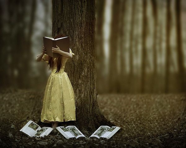 Photographer Takes Dreamlike Portraits Inspired By Literature And Real-Life - DesignTAXI.com