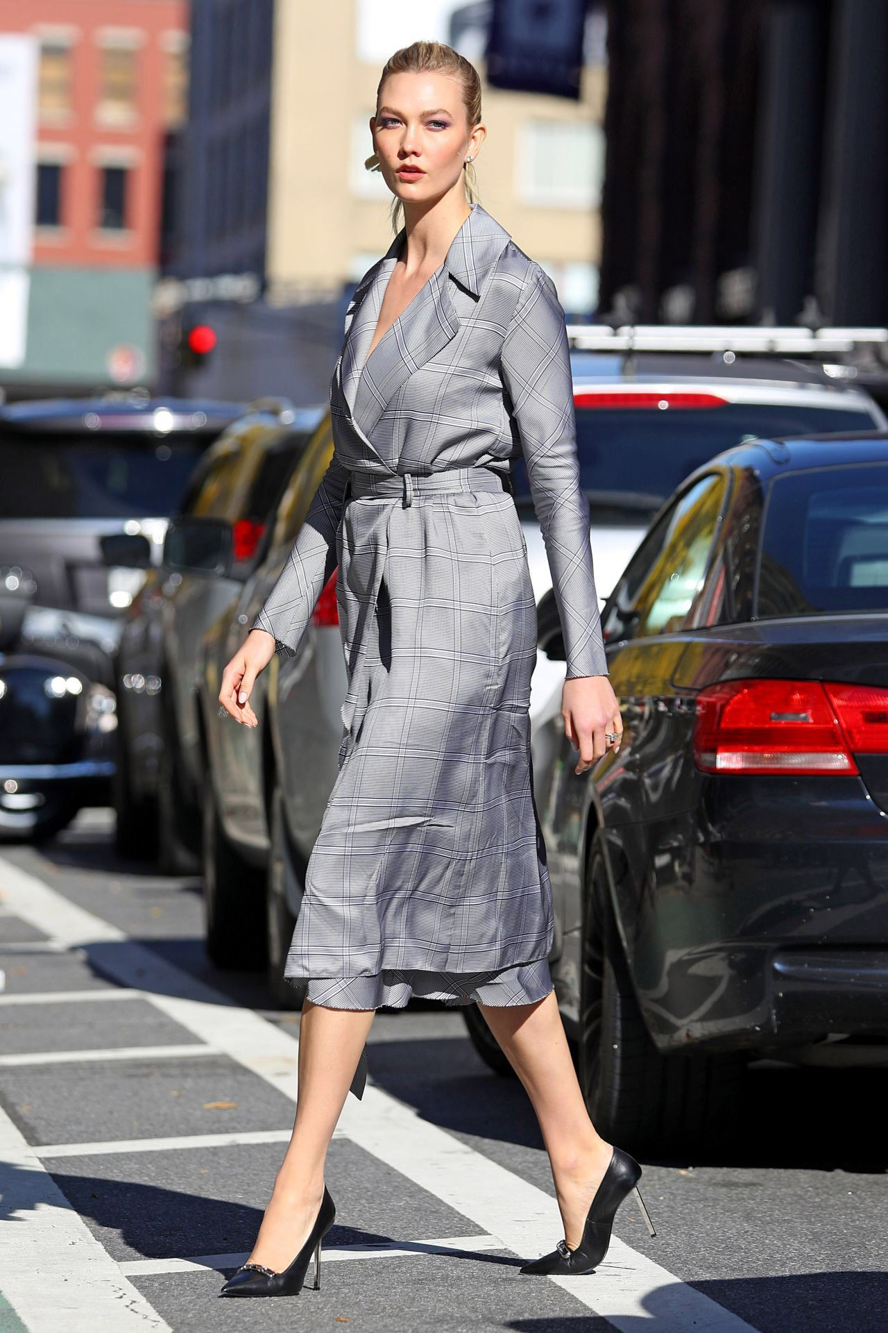Pin By Mila On Street Style In 2019 Karlie Kloss Style Karlie