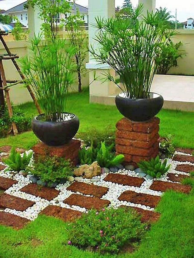 People With Small Garden Usually Face A Lot Of Issues While Decorating Them Because They Cannot Place Any Small Backyard Gardens Brick Garden Beautiful Gardens