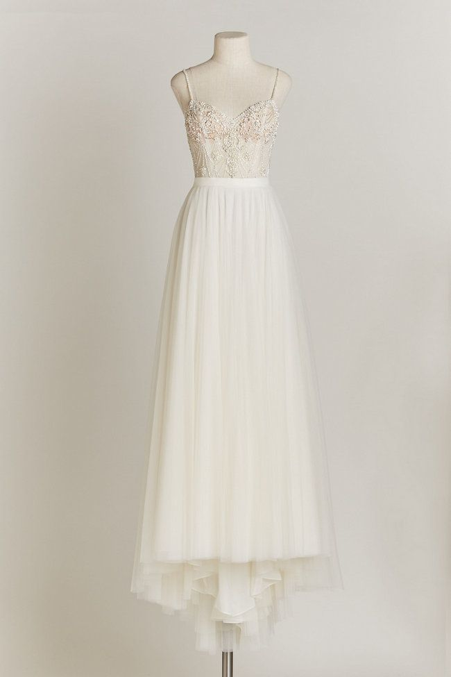 15 Utterly Chic, Sophisticated Wedding Dresses For The