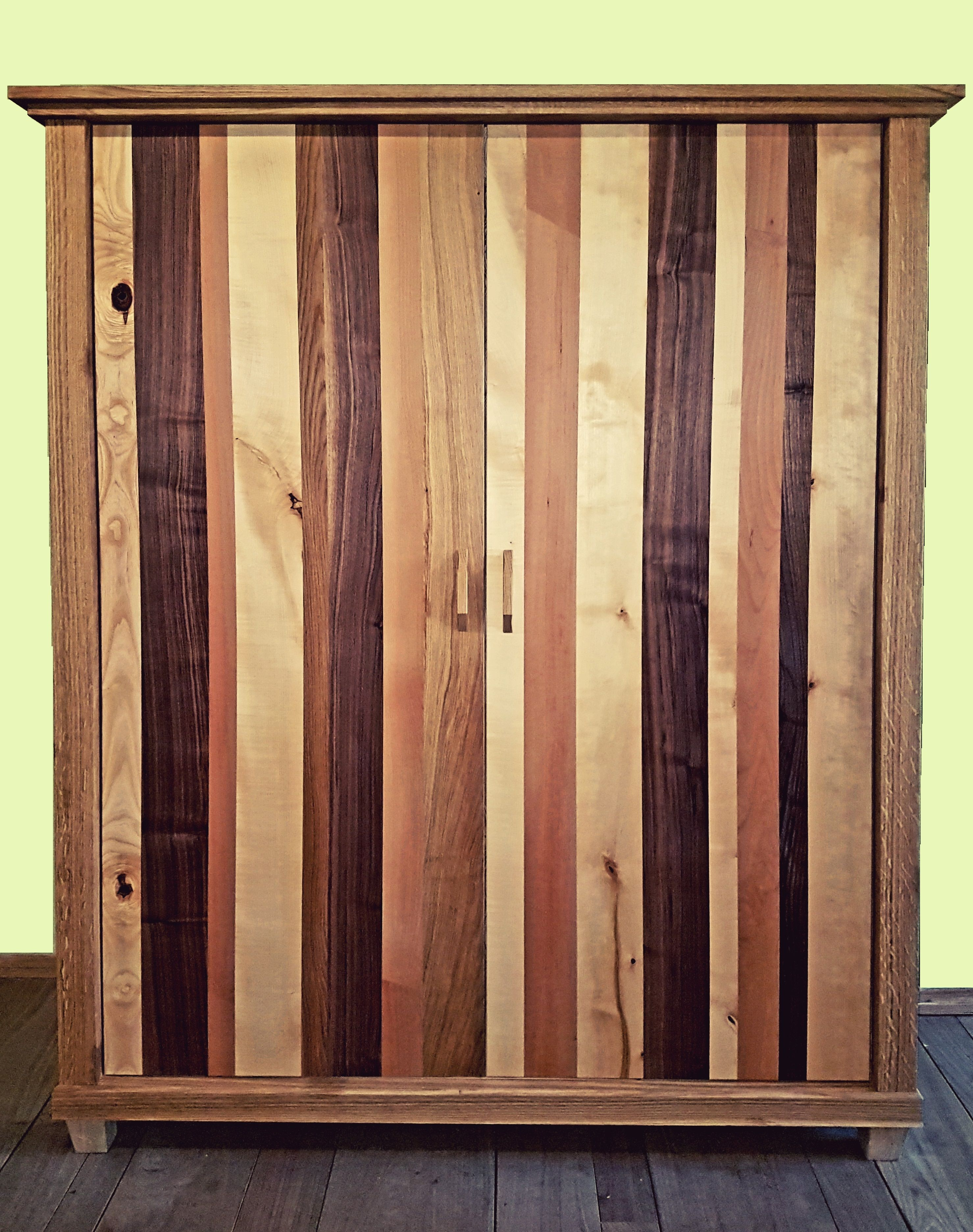 Schrank Aus Massivholz In Verschiedenen Sorten Eiche
