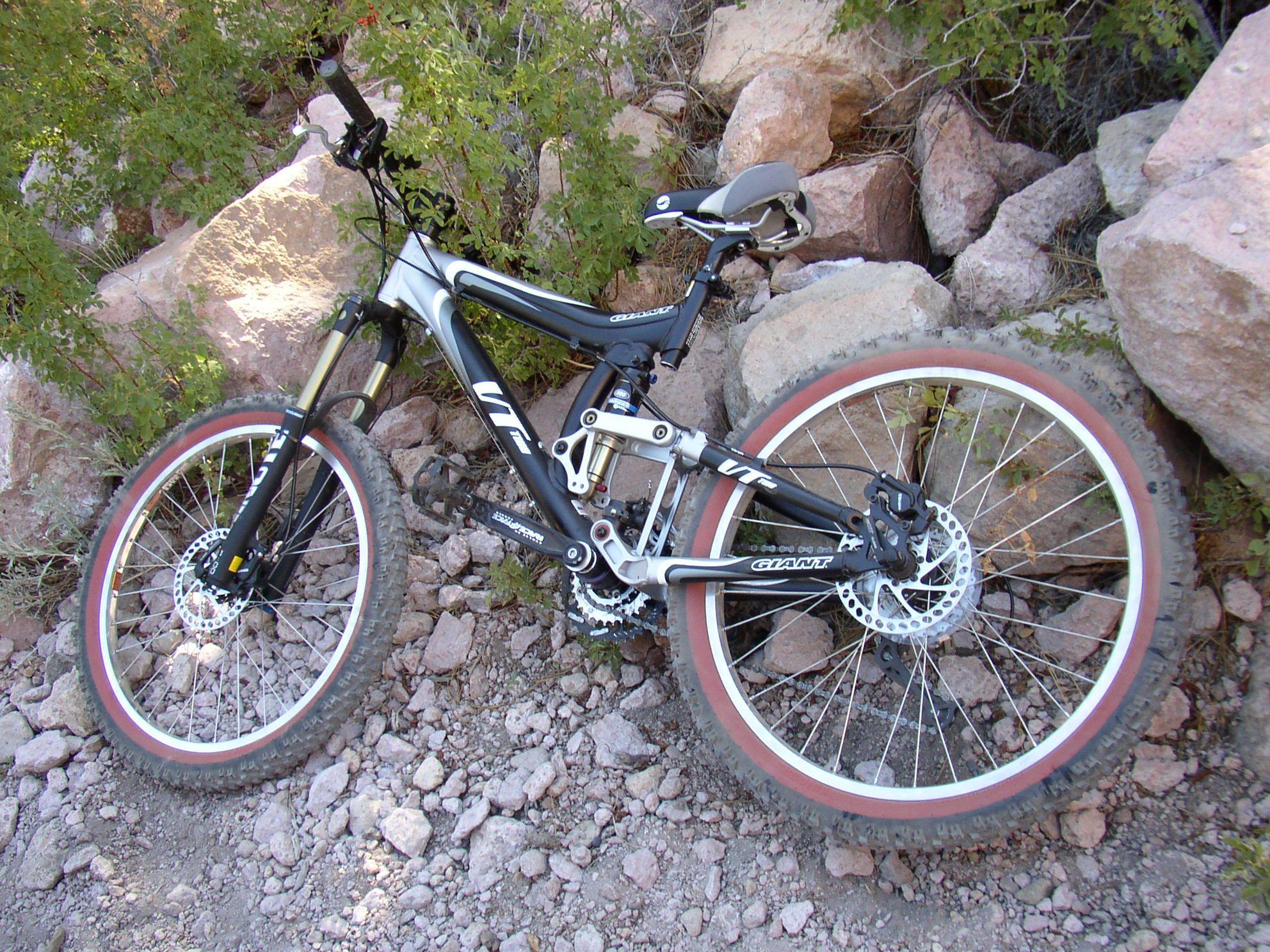 My Giant VT mountain bike