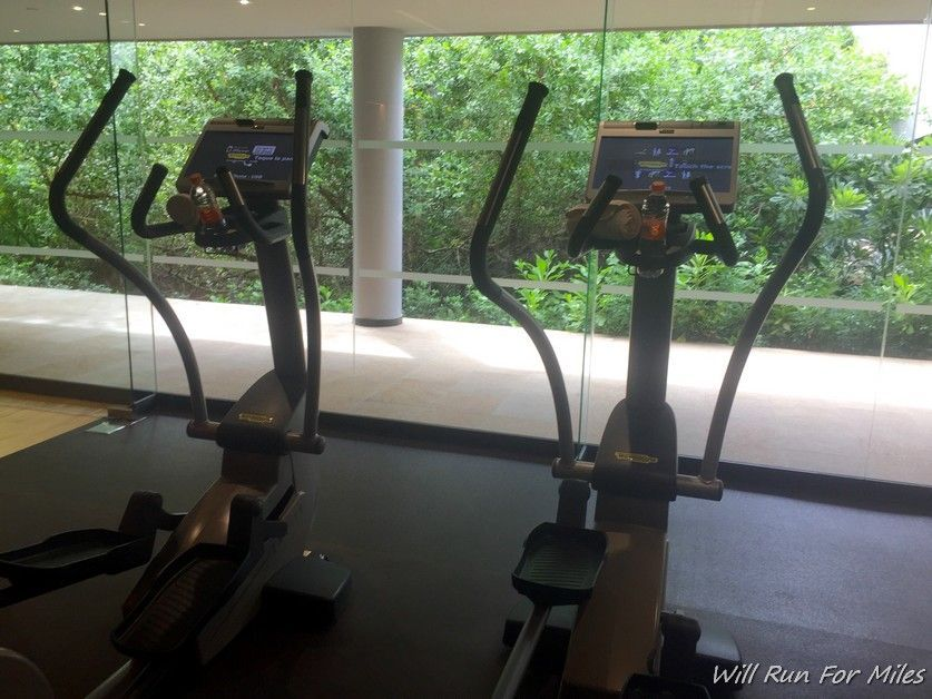 El espectacular gimnasio del Grand Hyatt Playa del Carmen Resort - willrunformiles.b ...  The Effect...