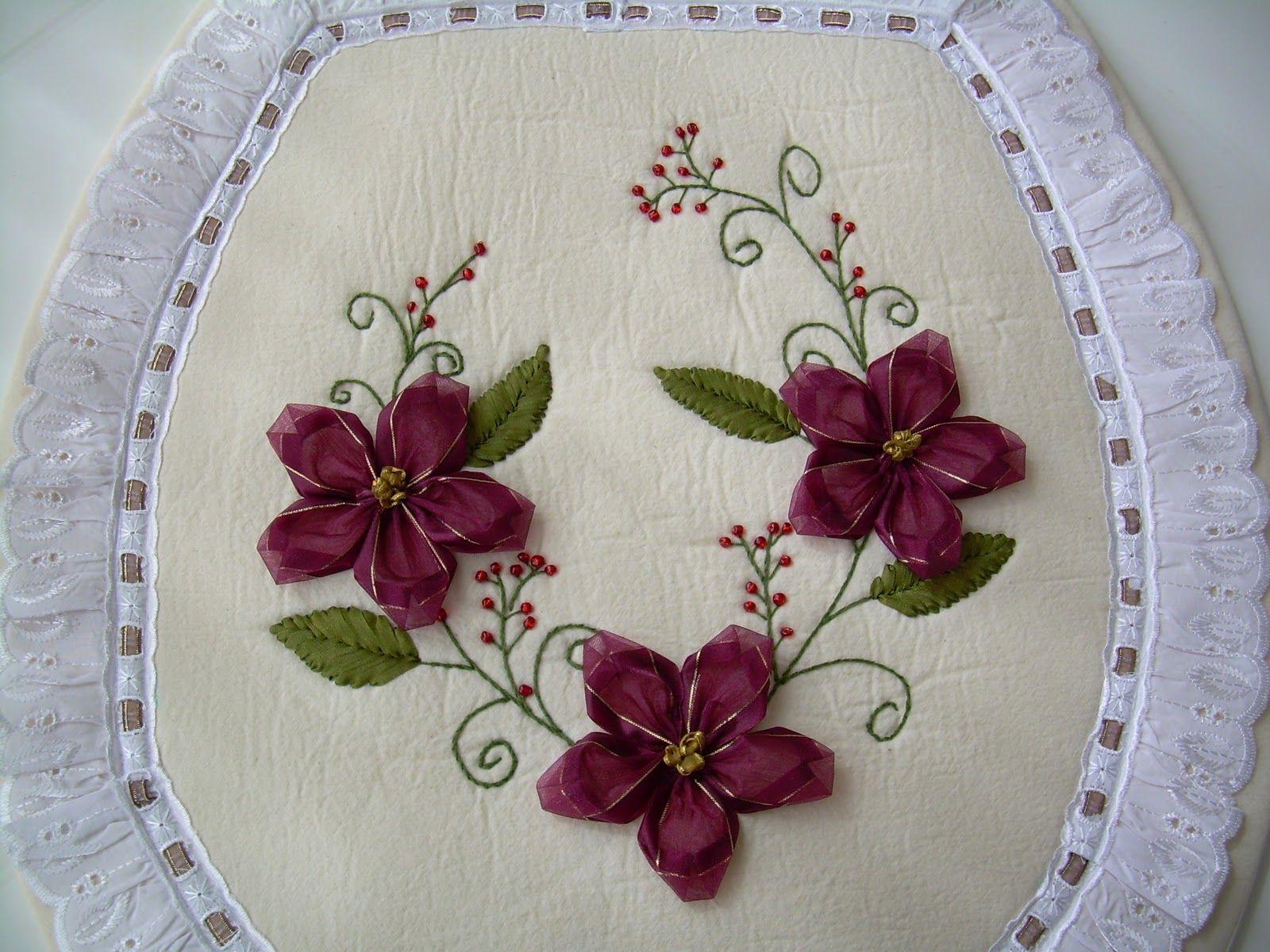 Juegos de ba o bordados en cinta como hacer flores de - Cojines hechos a mano ...
