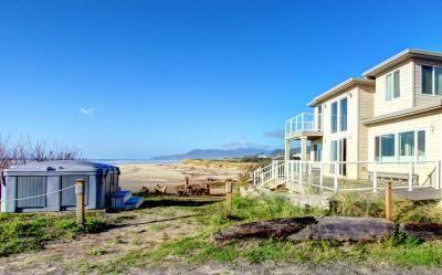 Rockaway Beach Villa