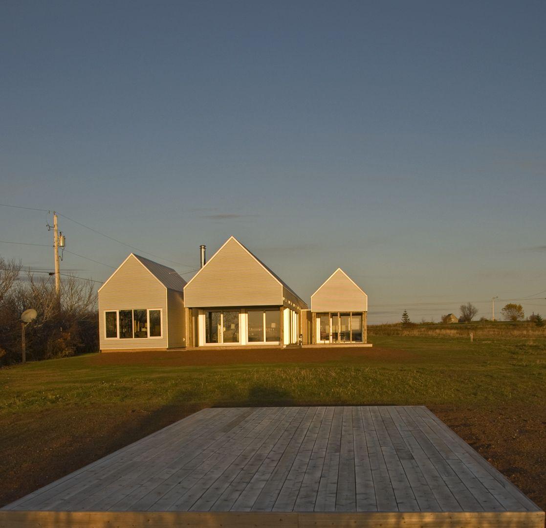 Gable end window ideas  mackaylyons sweetapple architects limited  leahey ii house  gable
