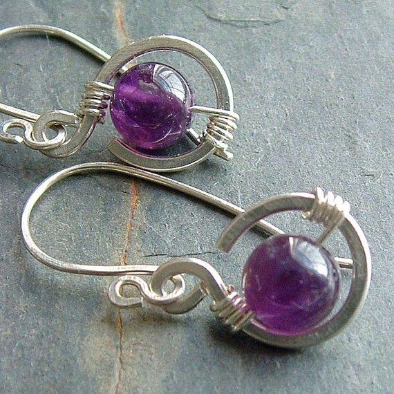 He encontrado este interesante anuncio de Etsy en https://www.etsy.com/es/listing/87336872/amethyst-earrings-silver-wire-wrap