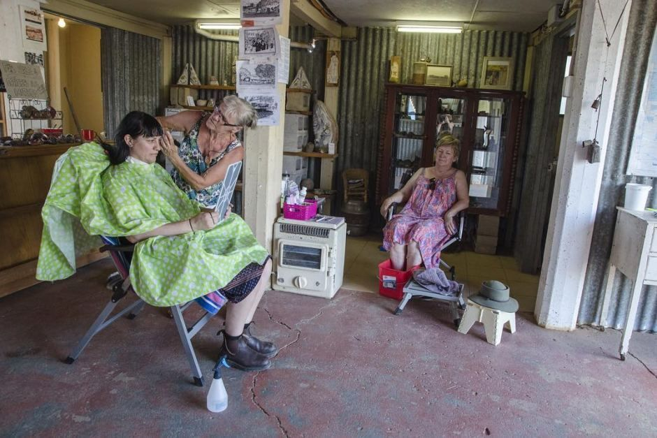 Top End style For a taste of a Top End beauty parlour, head to Daly Waters in the Northern Territory where you can stop by for a quick trim.  ABC Open contributor k8fx