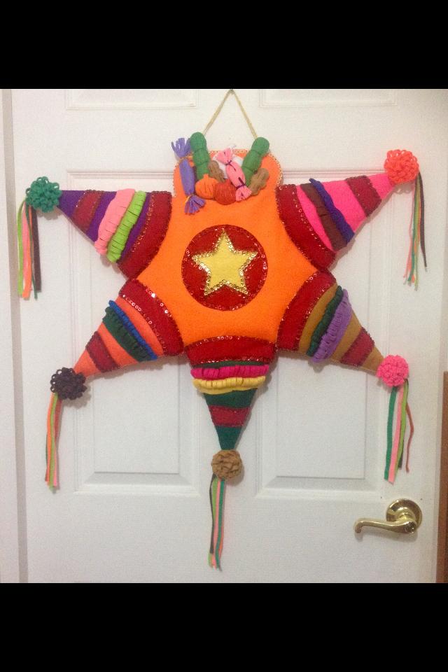 Piñata, hecha con fieltro