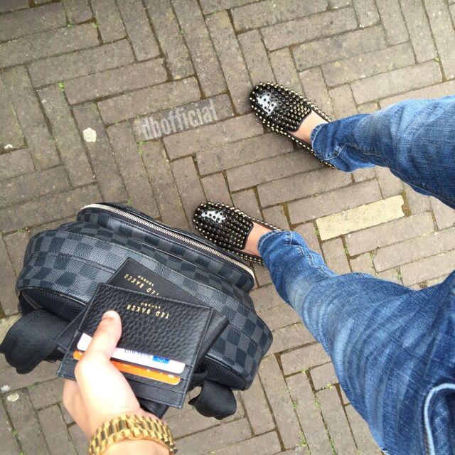 Its about the details #louboutin #tedbaker #louisvuitton #dbofficial #mensfashion #fashionpost #lookoftheday #fashionaddict #highgashion