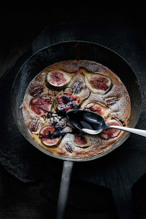 noperfectdayforbananafish:    (via Fresh fig & pecan torta : Oliver Knight – For Food Styling)