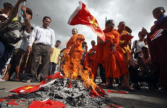 Anti-Vietnamese sentiment dominates Cambodia, even among otherwise progressive…