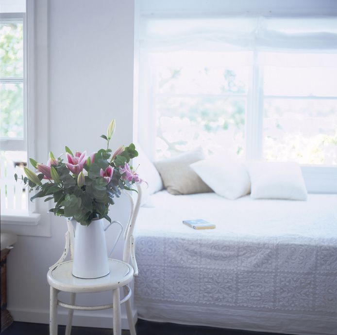 Cottage Style Decorating on a Budget - Rental Decorating Digest ...