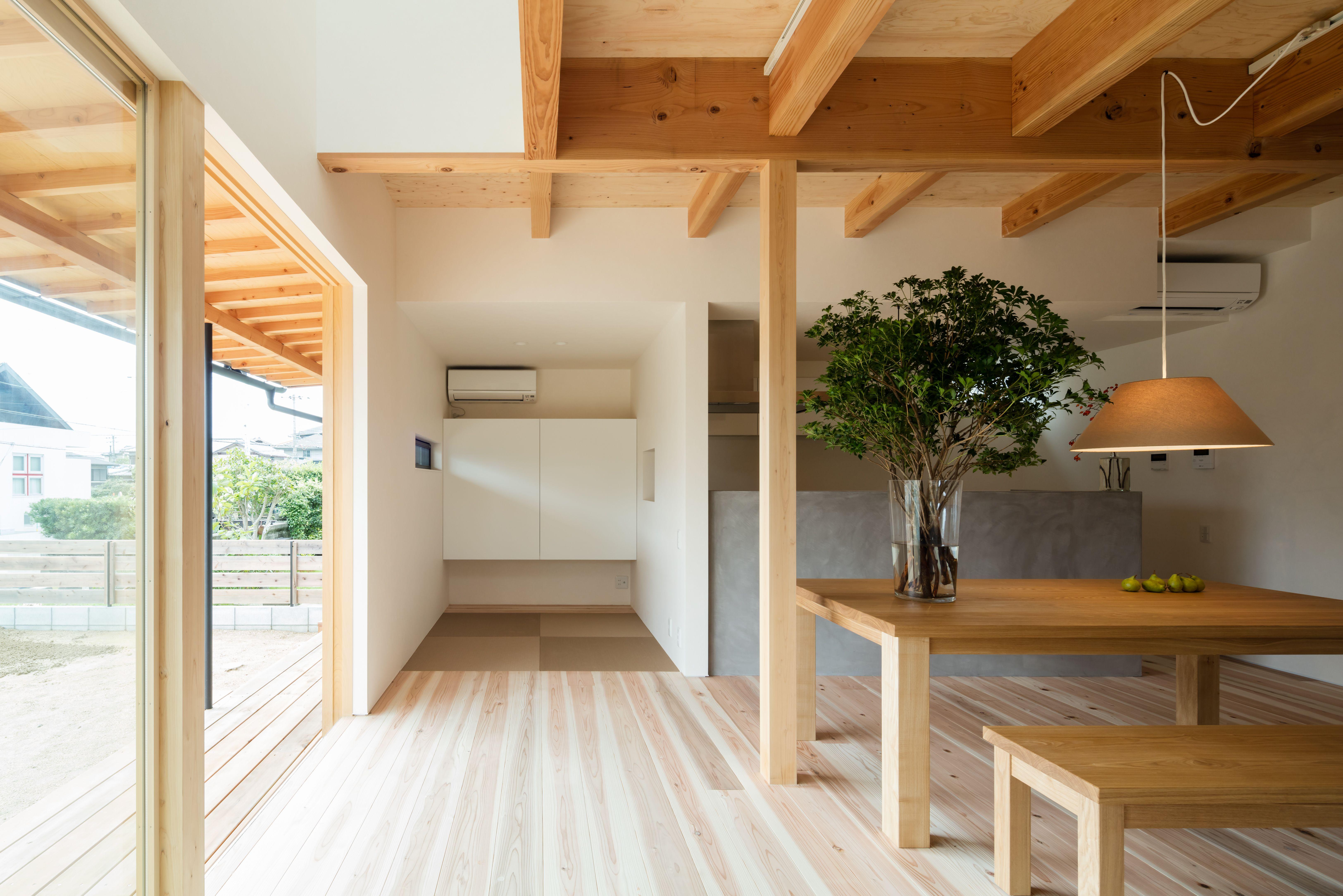 そこに タタミがあるから 和モダン空間の完成です 日本のモダンな家