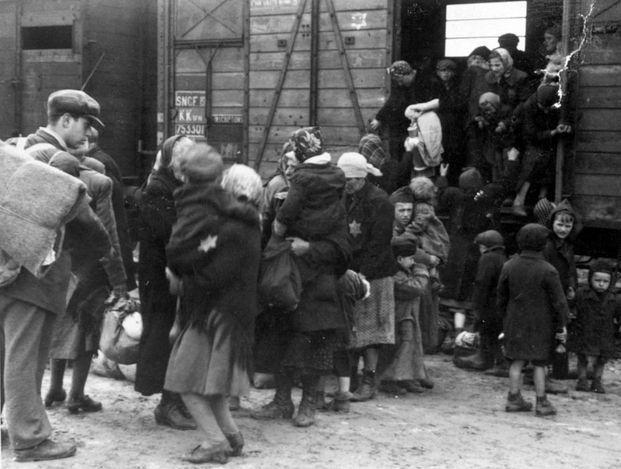 Birkenau, Poland, Jewish deportees alighting from the train to the platform, 27/05/1944
