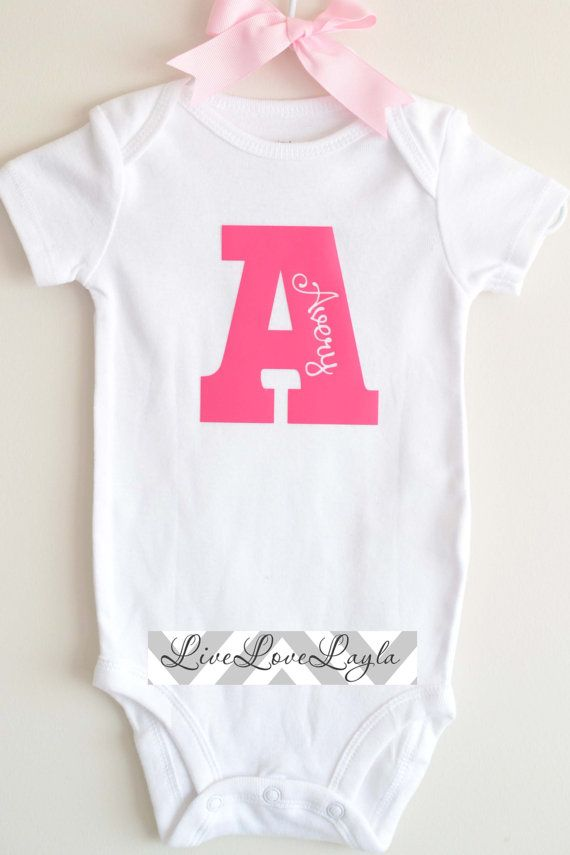 girls personalized initial bodysuit    baby bodysuit    cute crepper long sleeve available