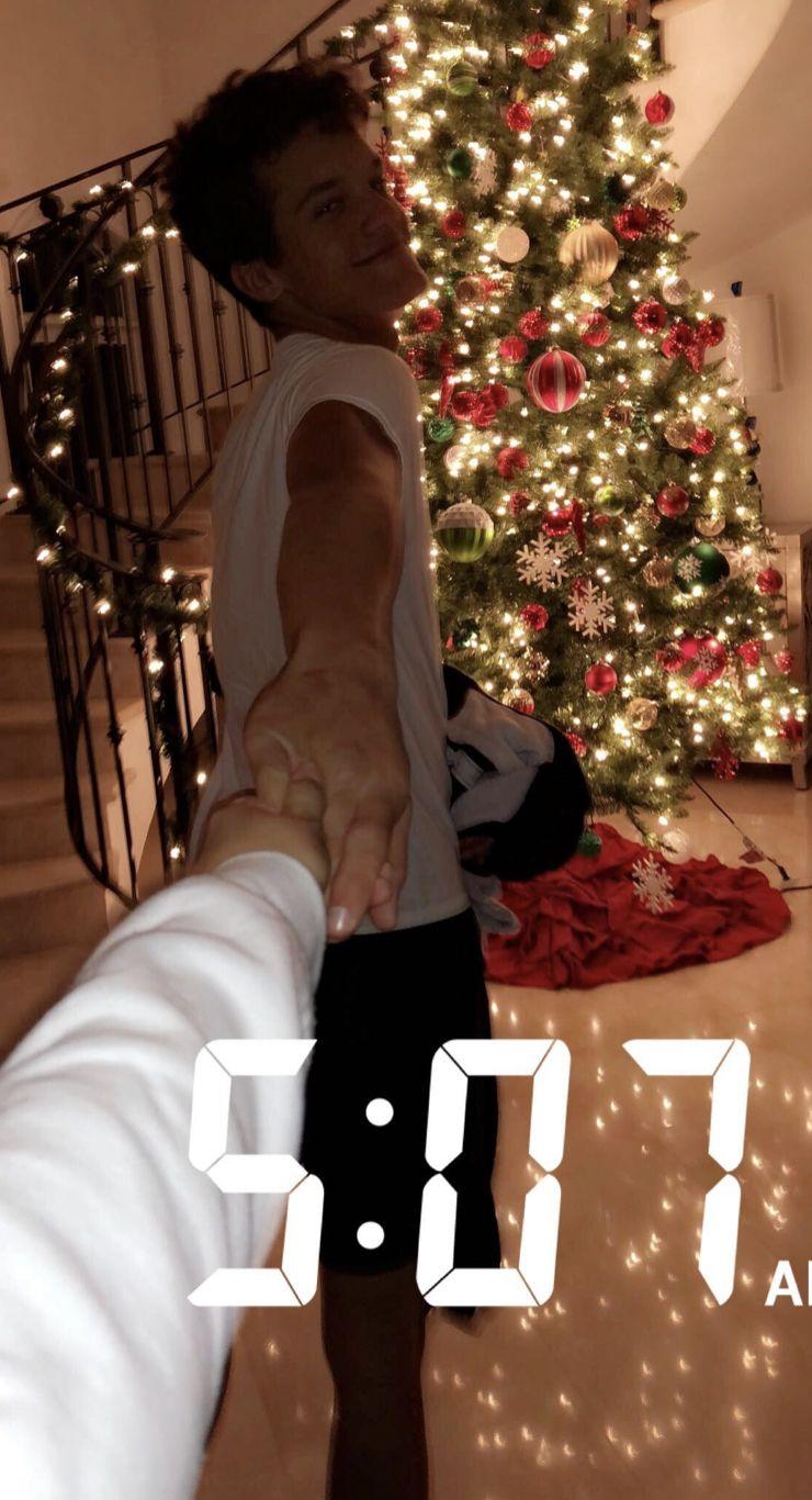 Epingle Par Alayna Booher Sur Feels Like Christmas En 2020 Images De Petit Ami Couples Mignons Relation Ideale