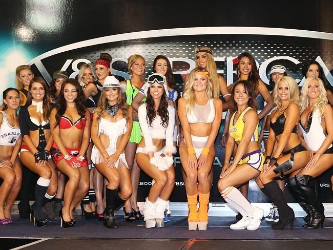 Bikini pit crew pic