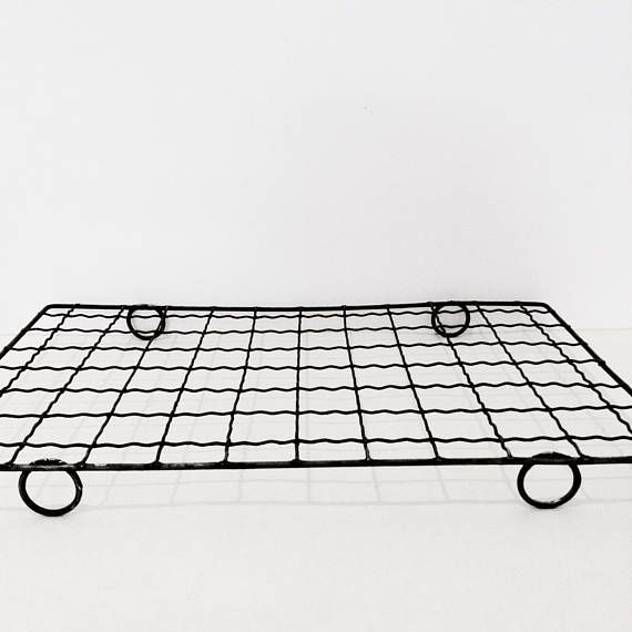 Vintage Wire Cooling Rack Crinkly Wire Cake Cooling Rack Round Feet Aged Wire Work Rack Vintage Cooling Racks Wire
