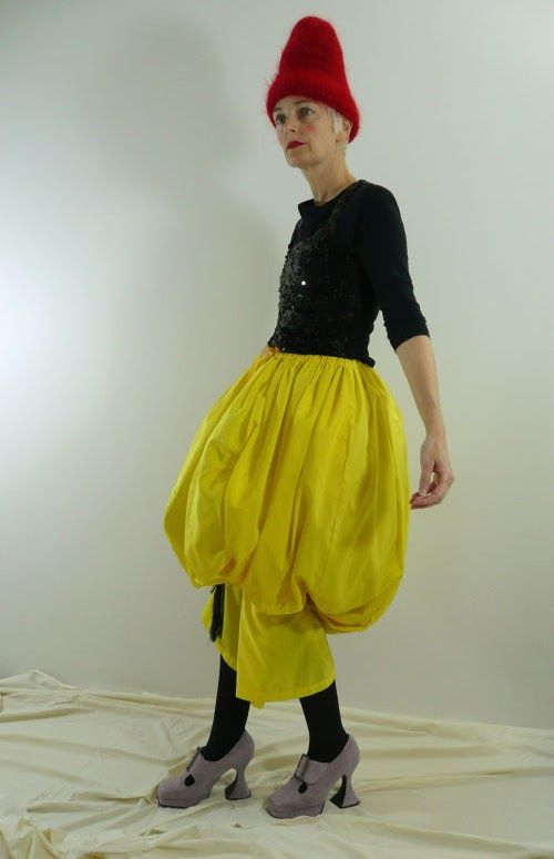 Bag and a Beret: Join The Travelling Yellow Skirt Freak Show