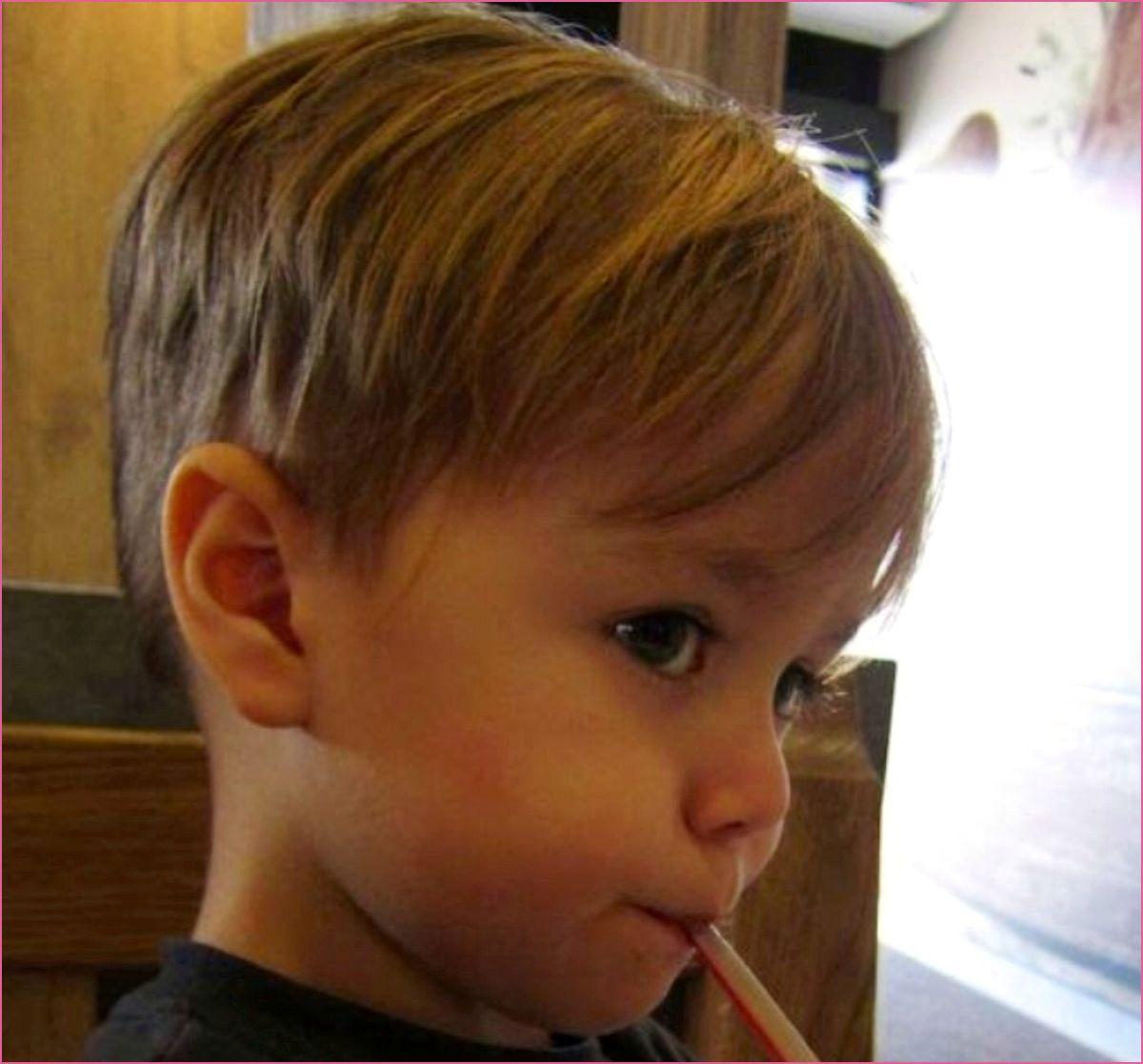 Lange Haare Männer  Frisur kleinkind, Frisur kleinkind junge