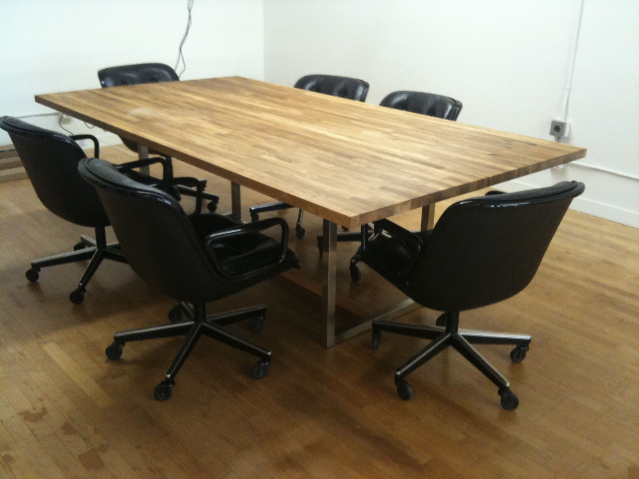 a 441 oaksteel conference table