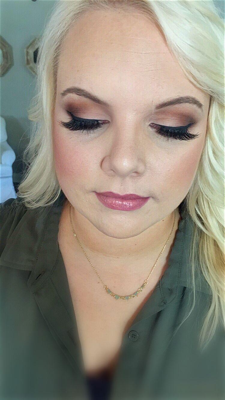 Blonde Smokey eyes (With images) Artistry makeup, Bridal