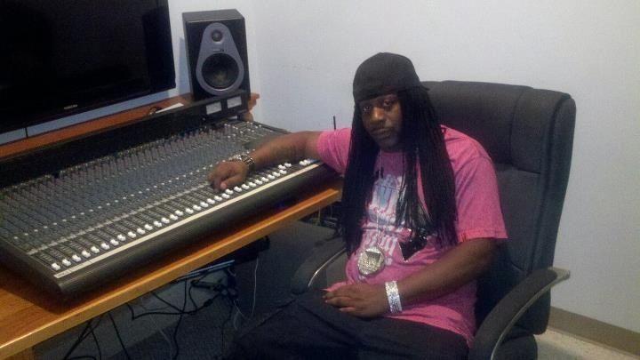 Me relaxing in my studio!!!