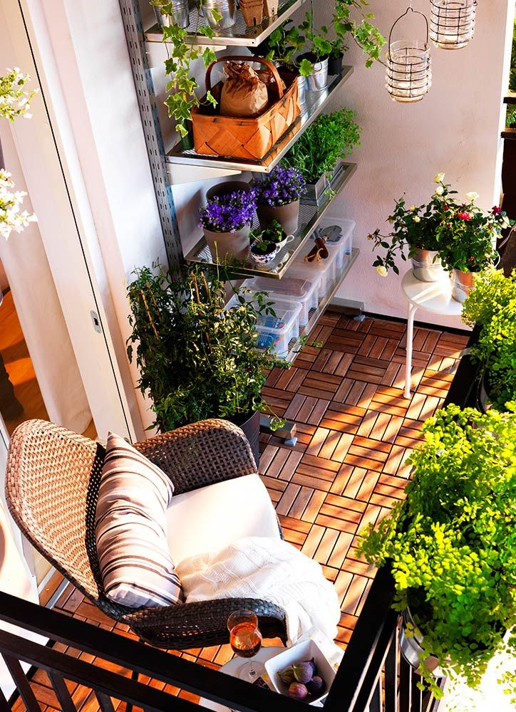 Plantas y macetas para balcones no renuncies a tu espacio for Plantas colgantes para balcones