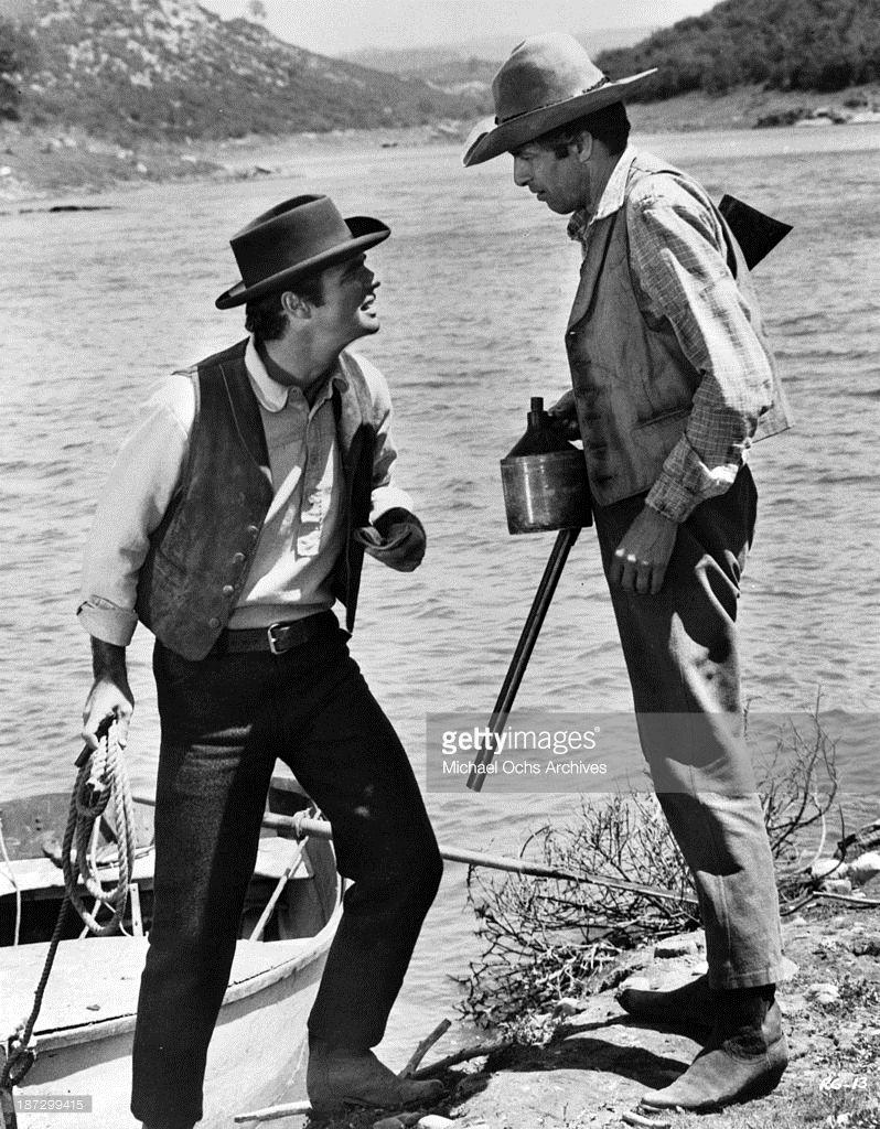 Actor Burt Reynolds on set of the movie 'Sam Whiskey' ...