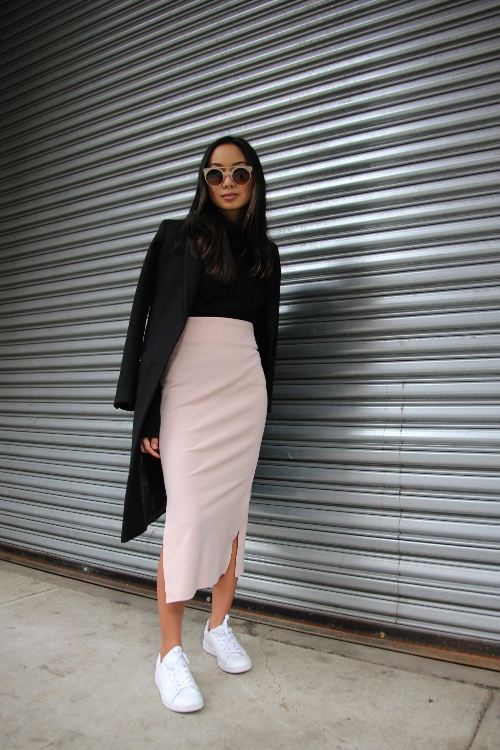 Why We Love Pencil Skirt Outfits (And You Should, Too!) - Just The Design #springskirtsoutfits