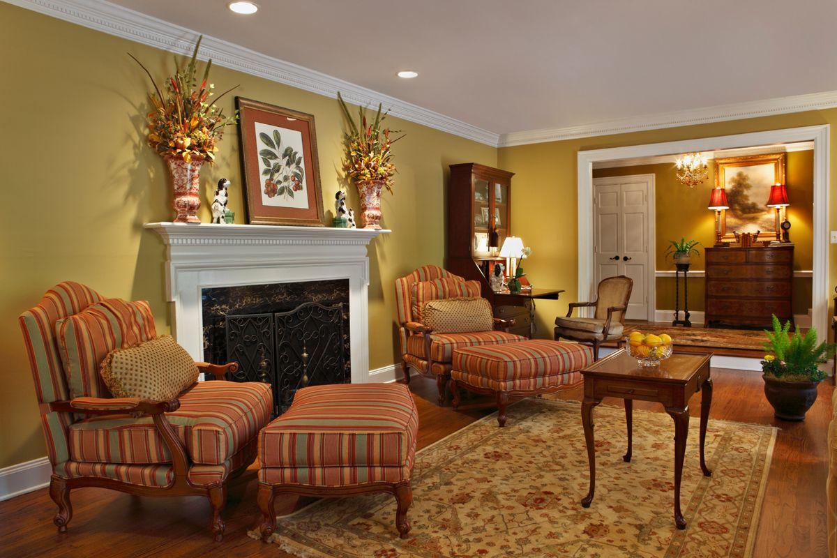 Valerie Garrett Interior Design. Macon, GA. Living Room.