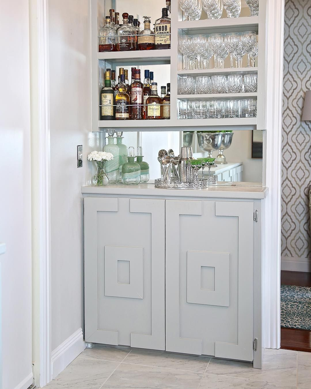Get Creative With These Corner Kitchen Cabinet Ideas: Even In The Narrowest Spaces, There's Always A Way To Get