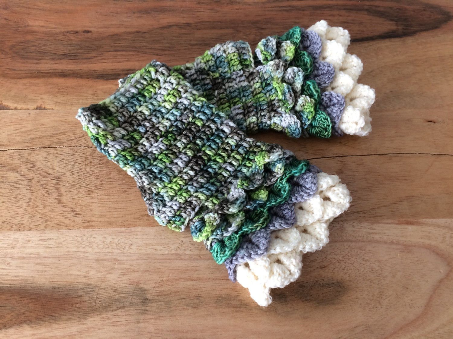 Green Fingerless Mitts - Green Dragon Scale Mitts - Green Shades Fingerless Mitts - Dragon Scale Mitts - Fingerless Mitts - Gifts for Her